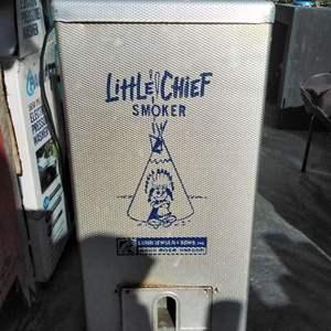 Lot #MW138 - Little Chief Smoker