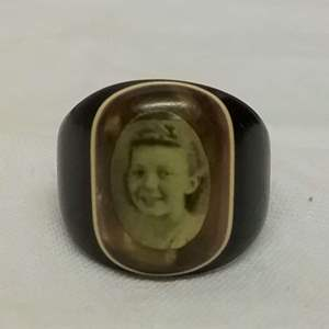 Lot #EL147 - Antique Celluloid Prison Made Photo Mourning Ring of Little Girl