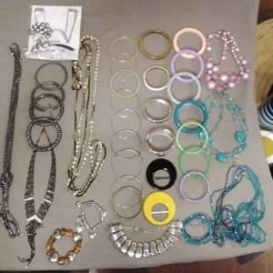 Lot # EL178 - Jewelry Lot #3 BRACELETS Galore!