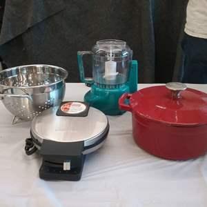 Lot #EL189 - Five Kitchen Items
