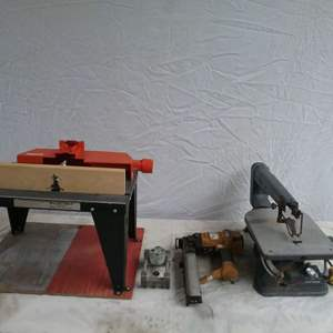 Lot #MW234 - Tool Lot Scroll Saw, Router Table, Dowel Jig and Roofing Stapler