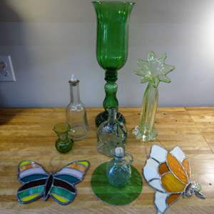 Lot #EL249 - Vintage Stained Glass and Other Glass Items
