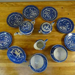 Lot #EL257 - Blue Willow Transor Ware Dishes