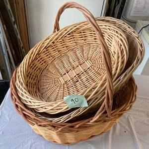 "Lot #EL278 - Three Quality Baskets 26"", 24"", and 22"""