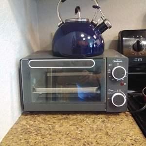 Lot #HW309 - KitchenAid Tea Kettle and Sunbeam Toaster Oven