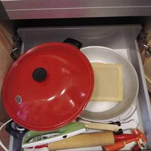 Lot #MW321 - Kitchen Drawer #3 Paella Pan, WOK, Electric Knife more