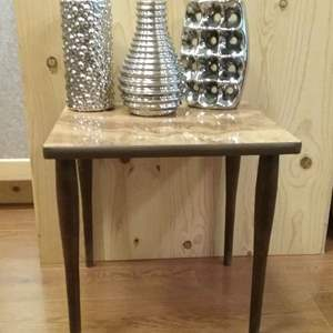 Lot #MW327 - Chrome Fired Pottery Decor Art Vases and Vintage Small Side Table