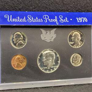 Lot 55 - 1970 United States Proof Set, may be small date cent.