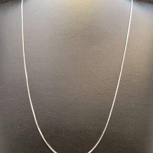 """Lot 88 - Vintage Sterling Silver 18"""" Box Chain"""