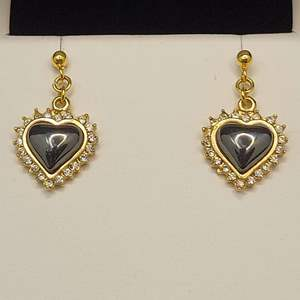 Lot 91 - Hematite Dangle Surgical Stainless Steel Earrings, Vintage in new  condition.