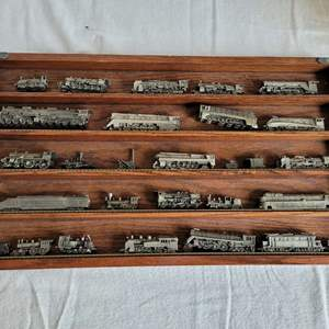 Lot #38 - World's Greatest Locomotives Pewter Train Collection by Franklin Mint in Presentation Case 21x12