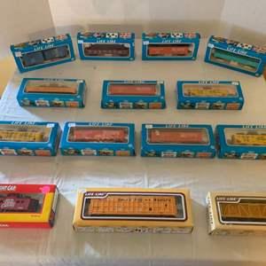 Lot #144 - Vintage NIB Life-Like HO Scale Railroad Train Cars
