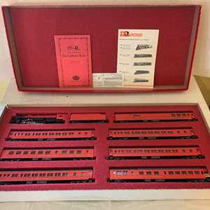 """Lot #146 - Con-Cor Limited Edition """"The Cardinals Train"""" Boxed Set, Made in Italy, N Gauge"""