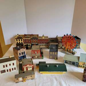 Lot #178 - Hobby Model Railroad Town: Woolworth, Funeral Home, Art Gallery, Restaurant, Car Wash, Car Dealership & More