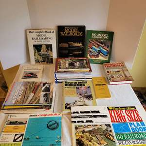 Lot #186 - Railroad Books: Ho King Size Plan Book, Handbooks, Vintage Lionel Checklist and Numberous Guide Books