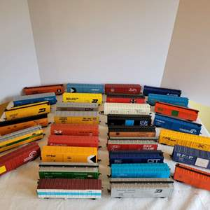 Lot #194 - 31 Plastic Railroad Box Cars, Unmarked