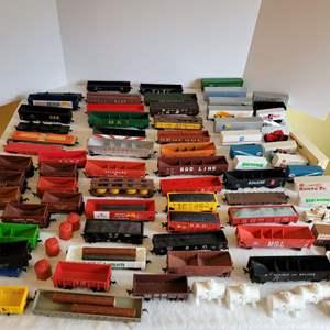 Lot #198 - HO Scale Railroad Cars, Accessories, Trucks & Trailers