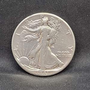 Lot 16 - 1941 SILVER Walking Liberty Half-Dollar