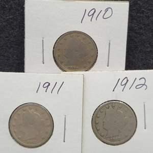"Lot 39 - 1910, 1911, 1912 set of three Liberty Head ""V"" Nickels"