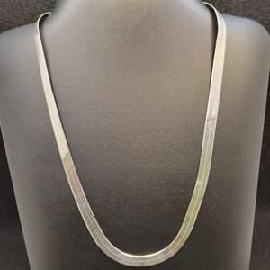 "Lot 91 - Vintage Sterling Silver Herringbone 6mm wide Necklace @ 20"", Stamped 925"