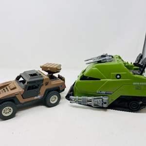 Lot #16 - Vintage 1984 G.I. Joe Desert Vamp Mark II and Commando in Action Brute Force