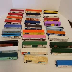 Lot #26 -  30 HO Scale Railroad Cars, Doritos, SOS, Pepsi, Shout, Jell-O, Tropicana, Tootsie-Roll