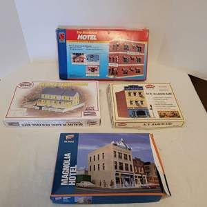 Lot #41 -  Model Power Ace Hardware and Bella's Farmhouse, Walthers Magnolia Hotel & Life Like Belvedere Hotel