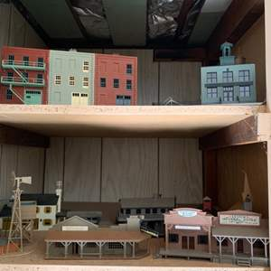 Lot #66 -  Vintage Train Modeling Set Including Bachman HO Scale Chesterville General Store & Tyco Kit Center St. School