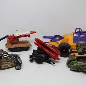 Lot #88 - G.I. JOE '91 Parasite Vehicle, '02 Road Rebel, '82 Remote Piloted Vehicle, '82 Heet Seek Missle System, '03 Desert Coy