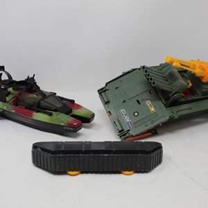 Lot #163 - G.I. Joe Rise of Cobra Sting Raider and 1992 FI. Joe Fort America Vehicle