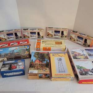 Lot #180 - Vintage HO Scale Kits: Walthers, Volmer, Scenemaster, Con-Cor, Faller and IHC