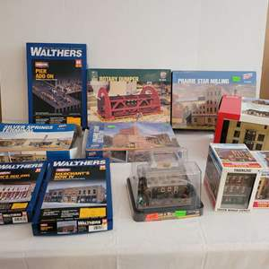 Lot #202 - HO Scale Cornerstone and Walthers Building Structure Kits, NIB