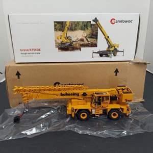 Lot # 135 - Manitowoc Diecast 01244 * Grove RT540E Rough Terrain Crane * 1:50 Scale