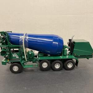 Lot# 6 - First Gear 19-3127 Oshkosh Front Discharge Mixer  1:34 Scale