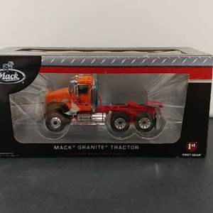 Lot# 17 - First Gear # 19-3984 Mack Granite Tractor * Palumbo * 1:34