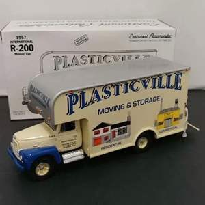 Lot# 18 - First Gear # 19-1671 1957 International R-200 Moving Van * Limited Edition * Plasticville Moving & Storage * 1:34
