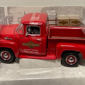 Lot# 37 - First Gear 49-0027 1956 Ford F-100 Pickup Truck * 1:25 Scale