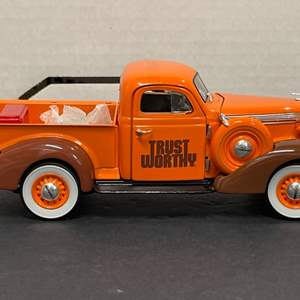 Lot# 40 - Crown Premiums 37STUDPT001 1937 Studebaker Coupe Express Pickup  1:24 Scale