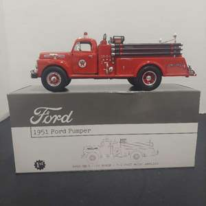 Lot# 41 - First Gear 19-2319 1951 Ford Pumper Texaco Fire Chief 1:34 Scale