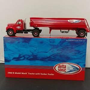 Lot# 49 - First Gear # 19-3311 '60 B-Model Mack Tractor w/Tanker Trailer * Delta Sonic * 1:34