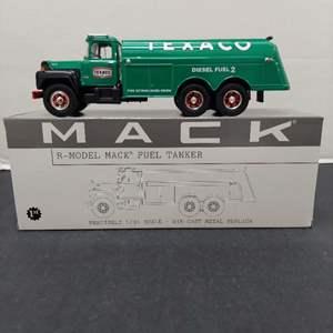 Lot# 60 - First Gear 19-2251 R-Model Mack Fuel Tanker Texaco Diesel 1:34 Scale