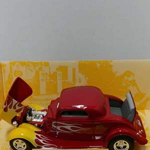 Lot# 73 - First Gear # 79-0138 '34 Ford Coupe * Wix * 1:25