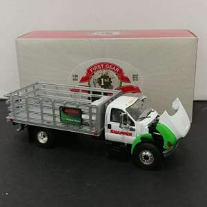 Lot# 75 - First Gear # 19-3768 Ford F-850 Stake Truck * Snapper * 1:34