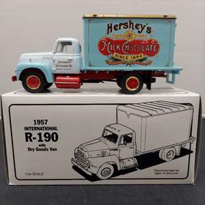 Lot# 86 - First Gear 19-1283 1957 International R-190 with Dry Goods Van 1:34 Scale