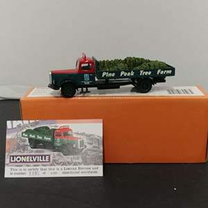 Lot# 95 - Corgi Lioneville # US74501 White Flatbed * Pine Peak Tree Farm * Limited Edition * 1:50