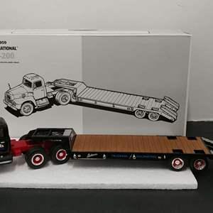Lot# 111 - First Gear #18-2118 '59 International RF-200 Tandem Axle Tractor w/Lowboy Trailer * Latona Trucking * 1:34