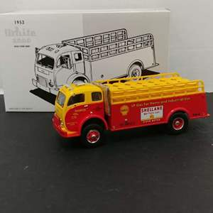 Lot# 127 - First Gear # 19-2066 '53 White 3000 with Stake Body * Shellane * 1:34