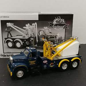 Lot# 128 - First Gear # 19-2316 '60 Mack B-61 Tow Truck * E.A.C. Limited Edition 20th Anniversary * 1:34
