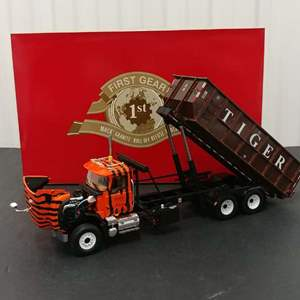 Lot# 166 - First Gear # 19-3505 Mack Granite Roll-Off Refuse Truck * Tiger Waste Disposal Services * 1:34