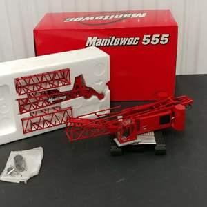 Lot# 182 - Classic Construction Models Manitowoc 555 * 1:50